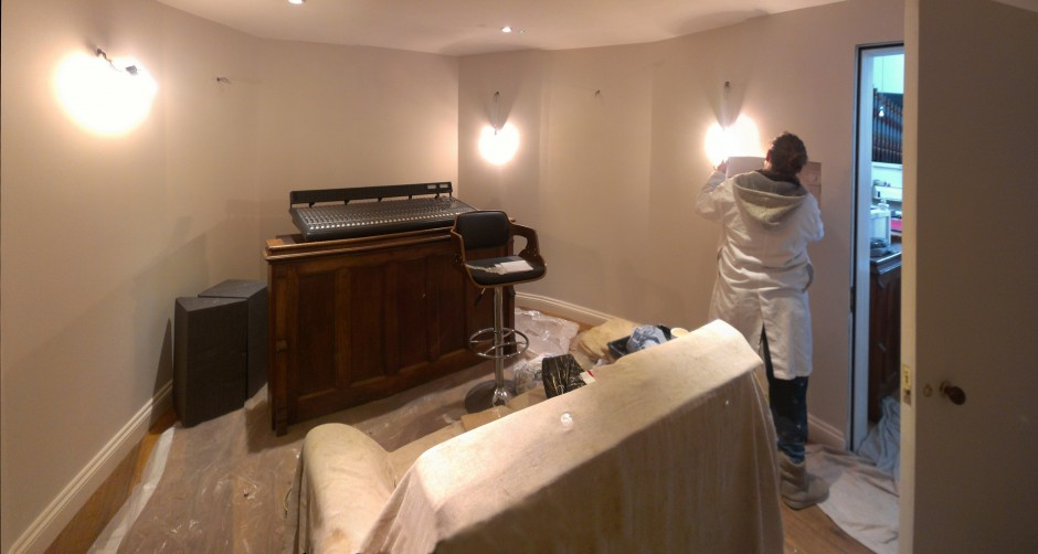Lighting going in... watch this space for pictures of the final room - Jan 2013